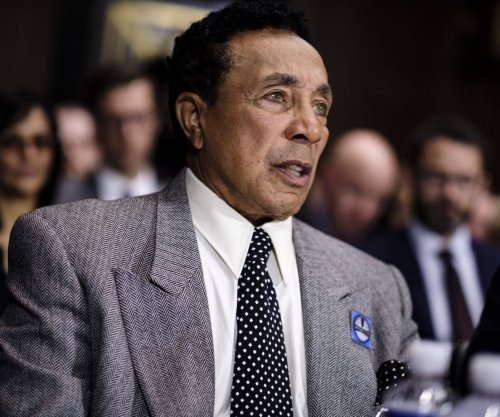 Smokey Robinson pushes Congress for copyright reform