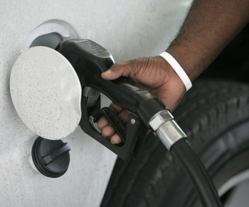 Most states see first gas price drop in weeks as demand declines