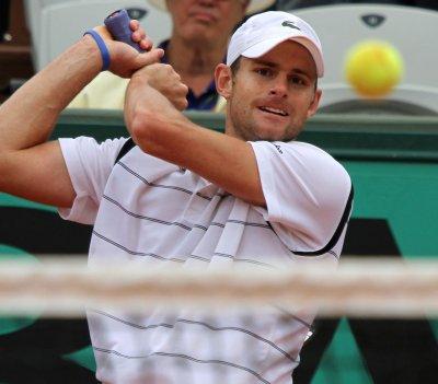 Roddick moves to Brisbane semifinals
