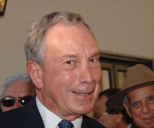 Former N.Y.C. mayor, billionaire Michael Bloomberg weighs third-party presidential run
