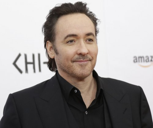 John Cusack, Samuel L. Jackson battle a different kind of zombie in 'Cell' trailer