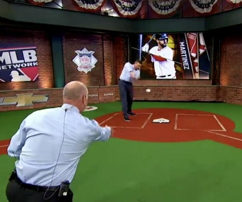 Sean Casey hits Billy Ripken in face during studio batting session