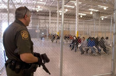 Teachers urge divestment from companies profiting off immigrant detention