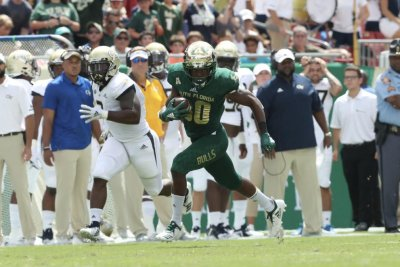 South Florida's Terrence Horne returns two kickoffs for TDs vs. Georgia Tech