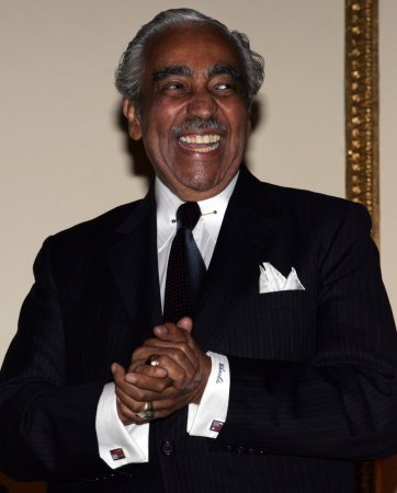 Rangel will be own lawyer before House