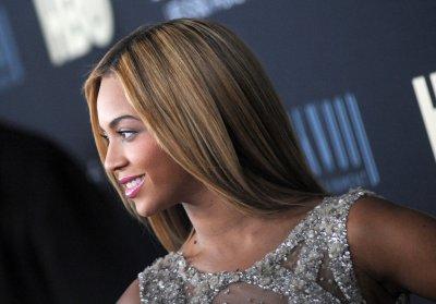Kanye West, Beyonce sing at wedding in Kazakhstan