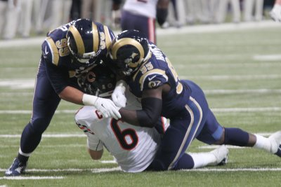 Busy Los Angeles Rams deal DE William Hayes to Miami Dolphins