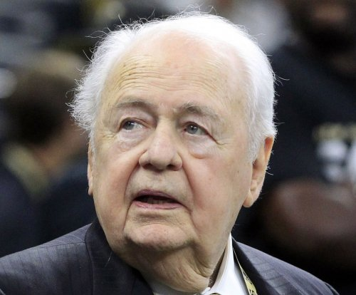 New Orleans Saints owner Tom Benson gets statue, stadium named after him in Canton