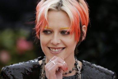Rom-com with Kristen Stewart, Mackenzie Davis to open in U.S. on Nov. 20, 2020