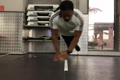 UAE athlete breaks Guinness record for side jump pushups