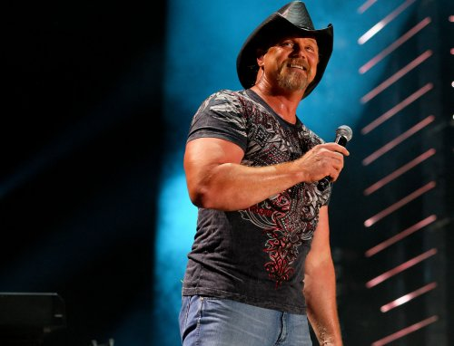 Trace Adkins enters rehab after alleged cruise ship brawl with impersonator