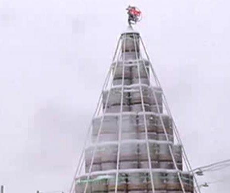 Brewery creates 'Christmas tree' from 300 kegs