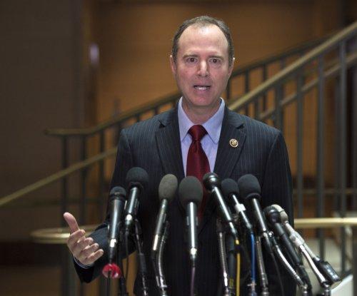 Warner, Schiff urge independent inquiry into Trump-Russia links