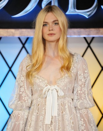 Elle Fanning to star in 'A Storm in the Stars'