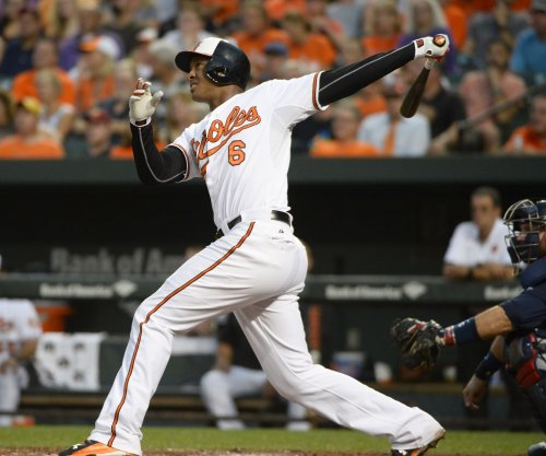 Baltimore Orioles' Jonathan Schoop slams door on Detroit Tigers