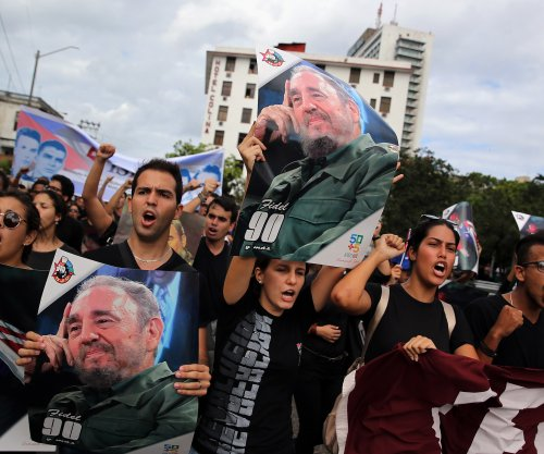 Obama to send two diplomats instead of official delegation to Castro memorial