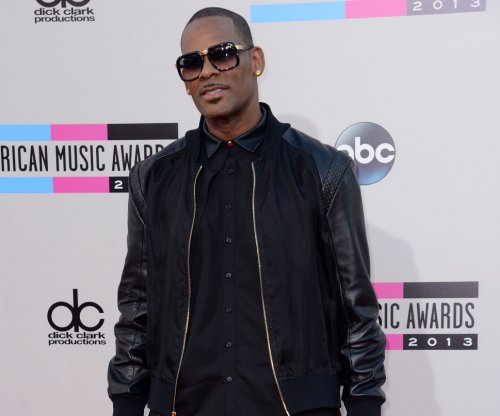 R. Kelly says Spotify playlist block is 'without merit'