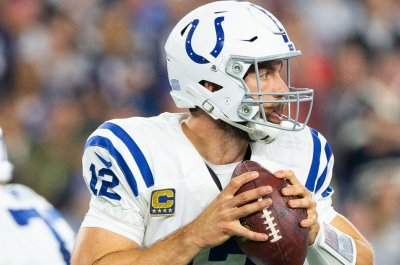 Luck, Colts desperately need win at Jets