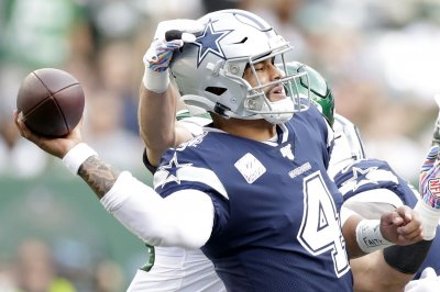 Cowboys place exclusive franchise tag on QB Dak Prescott