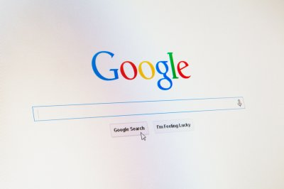 Russian court fines Google over banned content amid threat to slow services