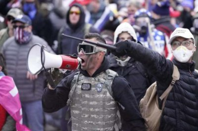 Pa. man arrested for pepper spraying police during Capitol attack