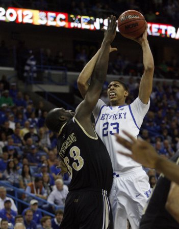 The Year in Review 2012: Davis, Kentucky win NCAA title