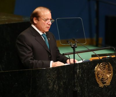 Pakistan PM Nawaz Sharif holds emergency cabinet meeting over Kashmir