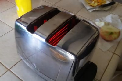 Couple's toaster still working after 58 years of daily use
