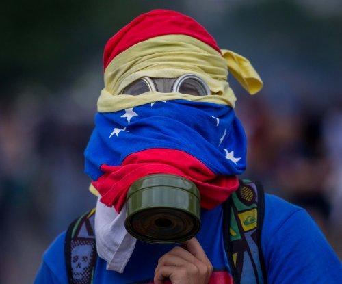 Venezuelan opposition urges security forces to allow peaceful protests