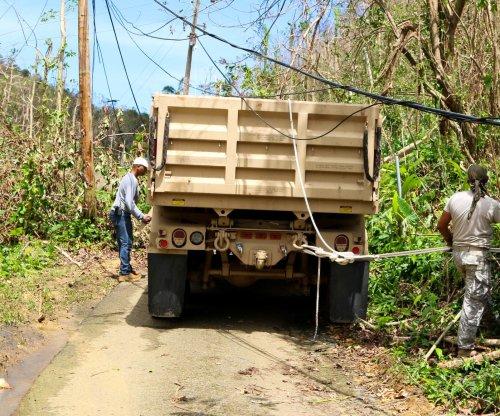 White House, FEMA: Not involved in Puerto Rico power restoration deal