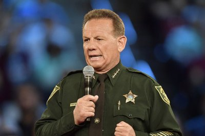 Sheriff gets no-confidence vote after Parkland, Fla., shooting