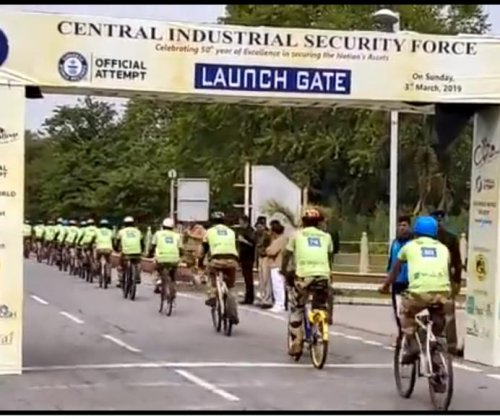 1,327 cyclists break Guinness record in India