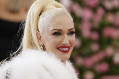 Famous birthdays for Oct. 3: Gwen Stefani, Lindsey Buckingham