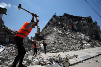 Israel strikes Hamas targets in Gaza over incendiary balloons