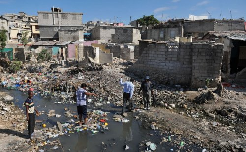 Many Haitians still waiting for food aid