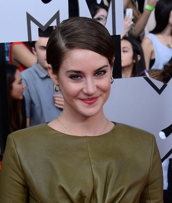 Shailene Woodley and Ansel Elgort reunite for 'Fault in Our Stars'