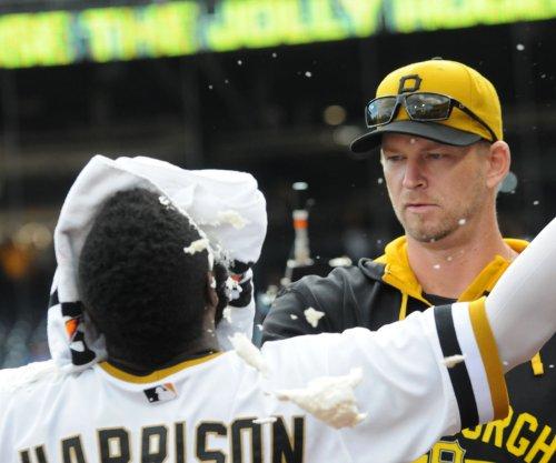 Jeff Locke, Josh Harrison lead Pittsburgh Pirates to easy win