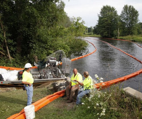 Environmental groups blast Enbridge for 2010 spill