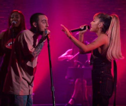 Ariana Grande, Mac Miller flirt during onstage duet