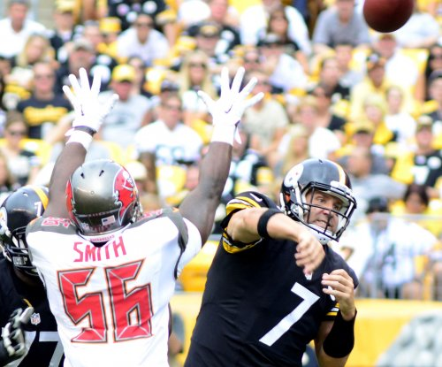 Tampa Bay Buccaneers place DE Jacquies Smith on PUP list ahead of training camp