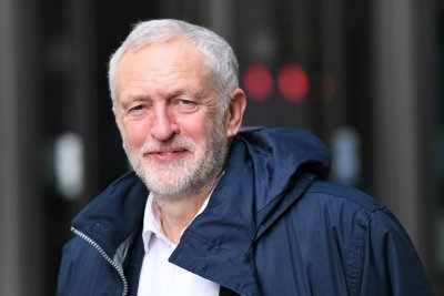 Corbyn proposes buying 8,000 vacant properties for homeless