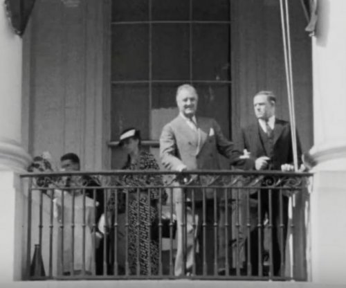 New film shows FDR walking at White House in 1935