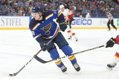 St. Louis Blues visit Vancouver Canucks trying for consecutive road wins