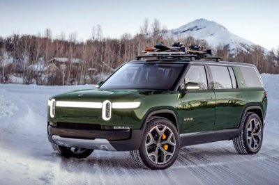 Electric truck maker Rivian gets $700M investment, led by Amazon