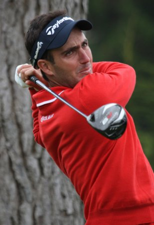 Morrison moves to front at Singapore Open