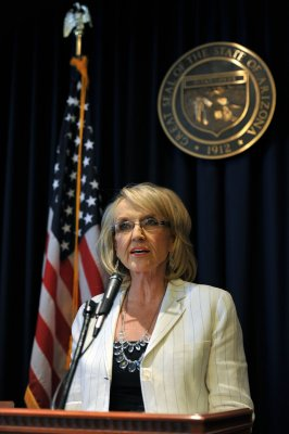 Jan Brewer won't seek re-election as Ariz. governor
