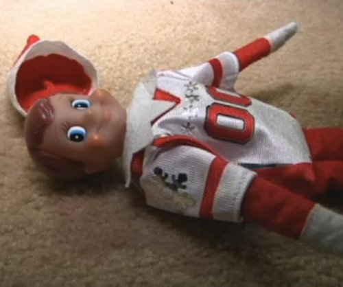 New Jersey girl calls 911 when elf falls from shelf