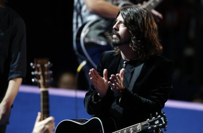 Dave Grohl, Lauryn Hill, Arctic Monkeys cover the Beatles