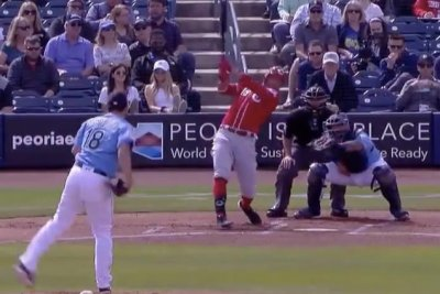 Mariners' Yusei Kikuchi fools Reds' Joey Votto on breaking ball K