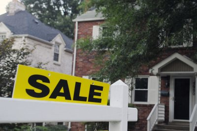 Home sales drop 8.5 percent in March amid coronavirus pandemic